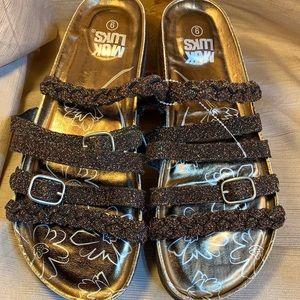 NWOT Muk Luks sandals never worn glitter/sparkle
